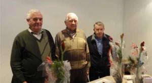 v.l.n.r. Gerrit Schreurs (penningmeester), Henk Blekkenhorst (nieuwe voorzitter) en Barend Hagreis(oud voorzitter)