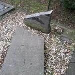 Te herstellen grafsteen